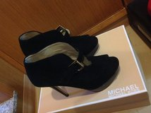 Michael kors shoes and Nine West. in Okinawa, Japan