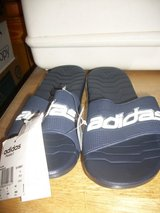 8013 MENS ADIDAS SLIDE SANDAL SIZE 8 1/2 NEW WITH in Fort Hood, Texas